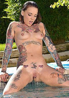 Lauren In Bikini